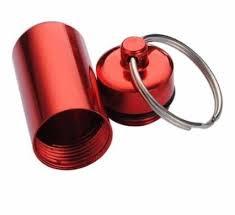 "Pillendoosje "" sleutelhanger"" rood"